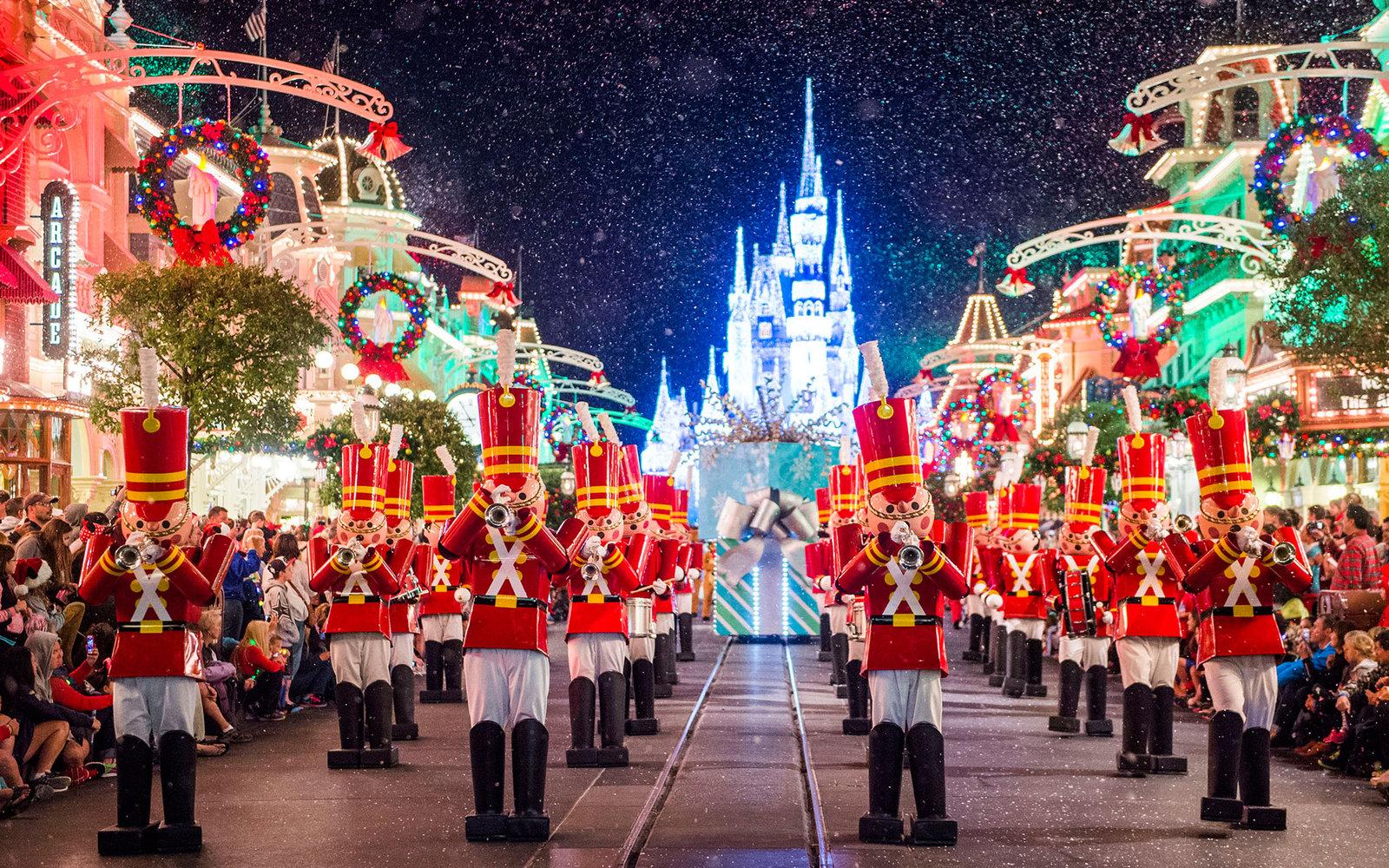 15-mickey-very-merry-christmas-xmaschris