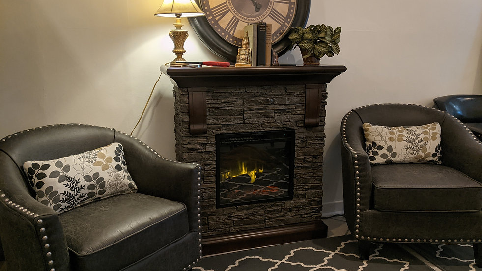 Fireplace%20Seating%20Area_edited.jpg
