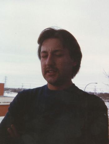 Greg at Belivieu Rd apt 1986.jpg
