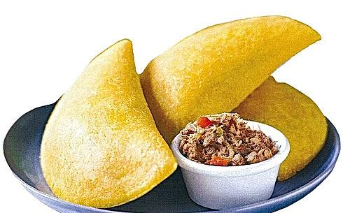 Empanada di farina di mais senza glutine farcita con carne di manzo o dipollo
