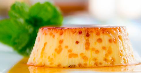 Cream Caramel dalla consistenza più corposa a base di uova, latte condensato e un gocciodi rum