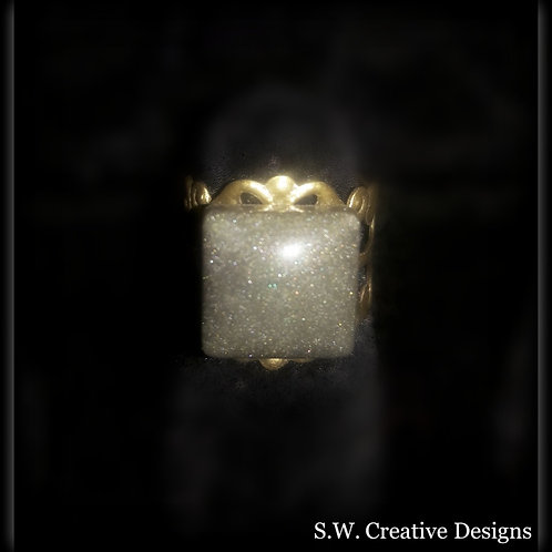 S.W. Pearl Shimmer Princess Crown Glow Ring