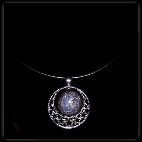 S.W. Eclipse Crackle with Stars Pendant and Necklace