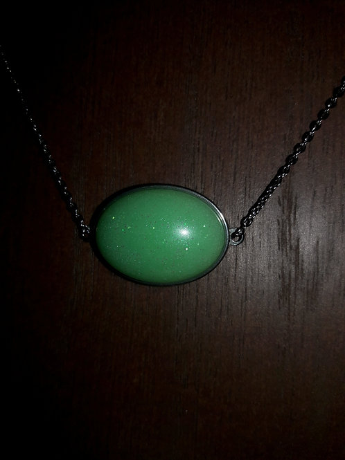 S.W. Spring Green Necklace and Earrings Set