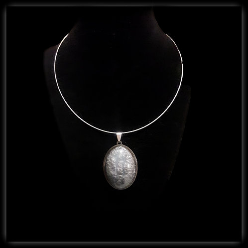 S.W. Eclipse Crackle Oval Pendant and Necklace