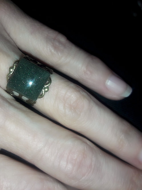 S.W. Dark Emerald Green Princess Glow Ring