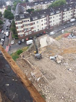 Abbrucharbeiten Kirchengebäude