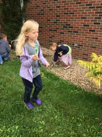 kids weeding 3