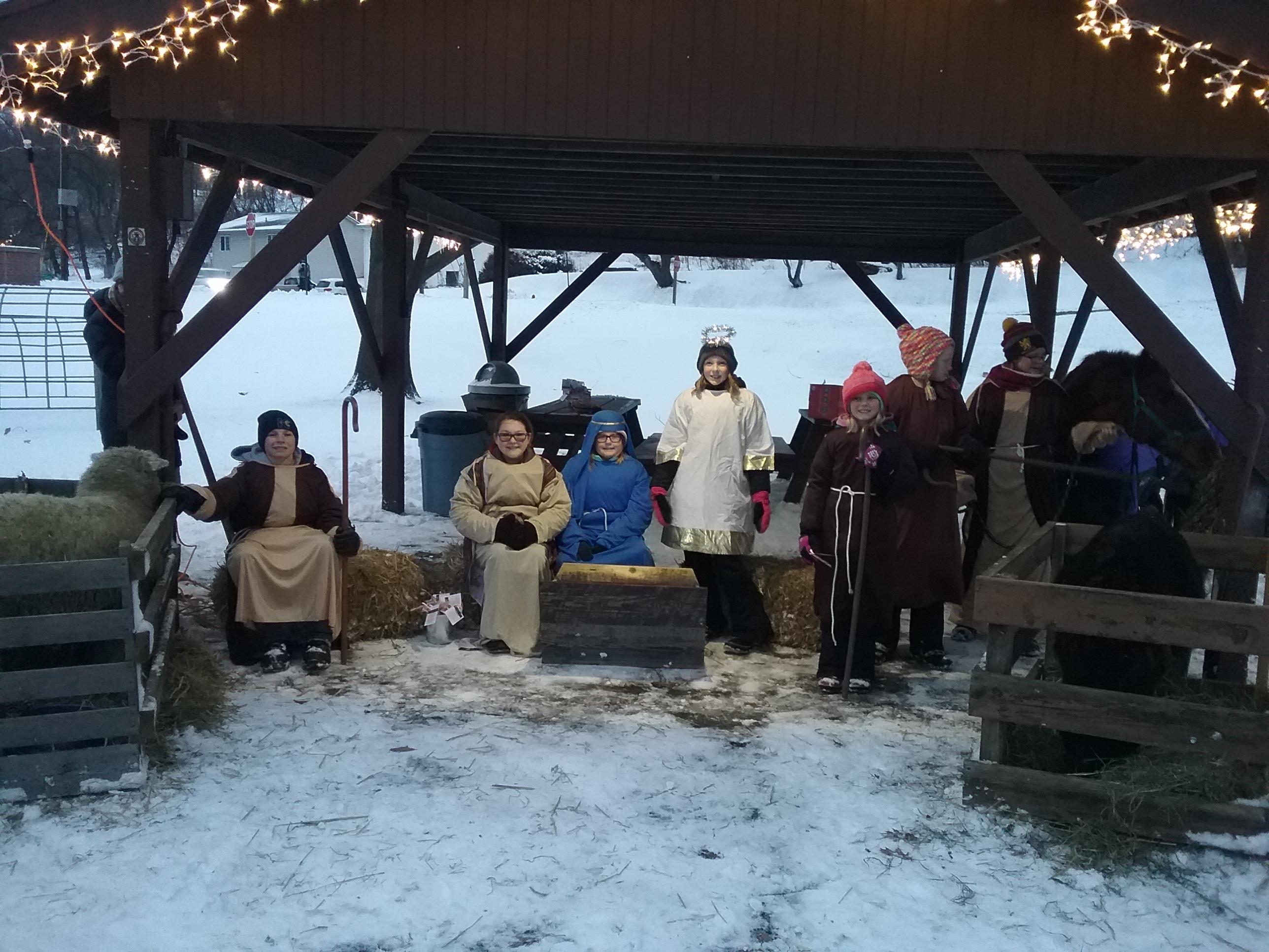 LIve nativity group 2