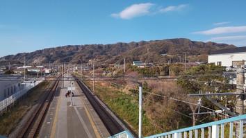 ゴール 保田駅から鋸山を望む