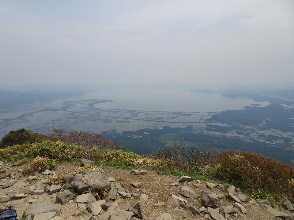 山頂より猪苗代湖を望む