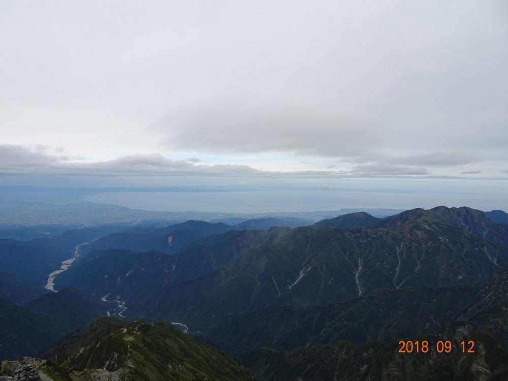 富山湾・能登半島を望む
