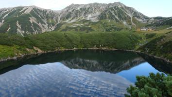 ミクリガ池に映る逆さ立山