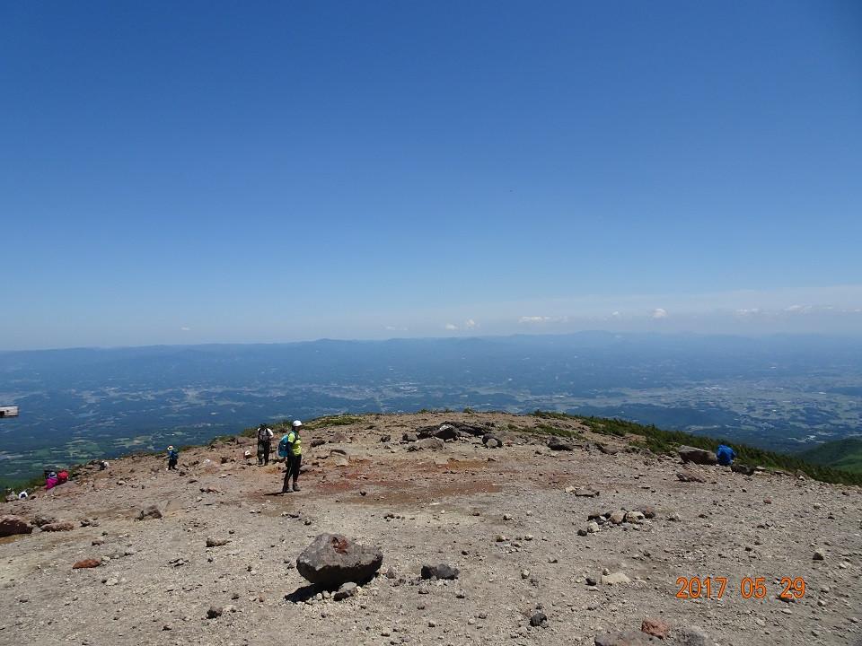 山頂より二本松方面を望む
