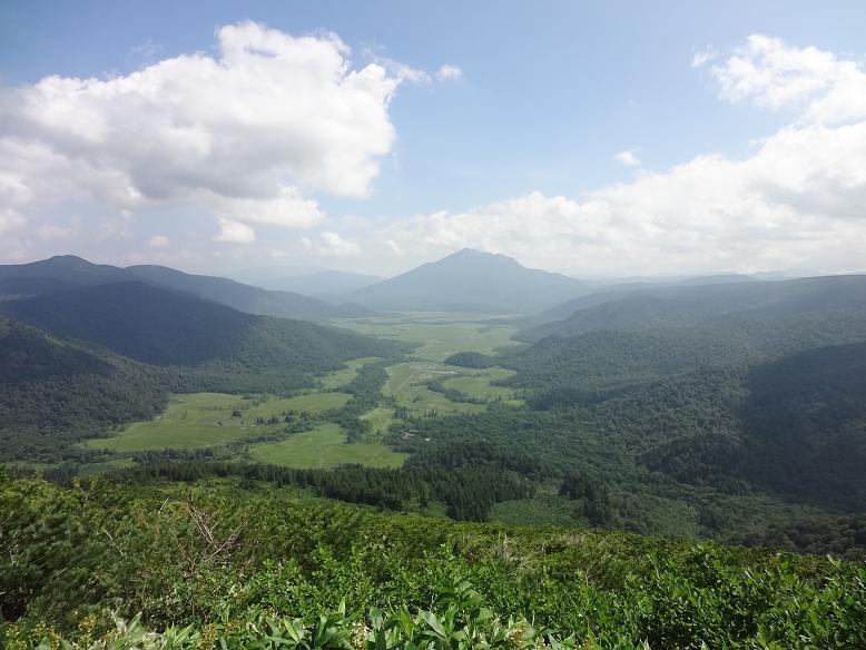尾瀬ヶ原、燧岳を望む
