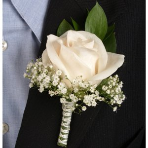 Classic_Rose_Ivory_Boutonniere_Corsage_Wedding_Package_300