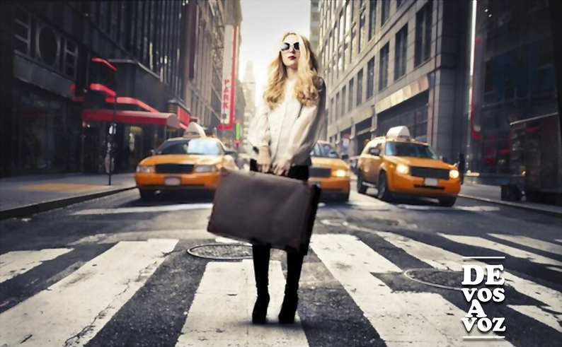 nueva york mujer.png