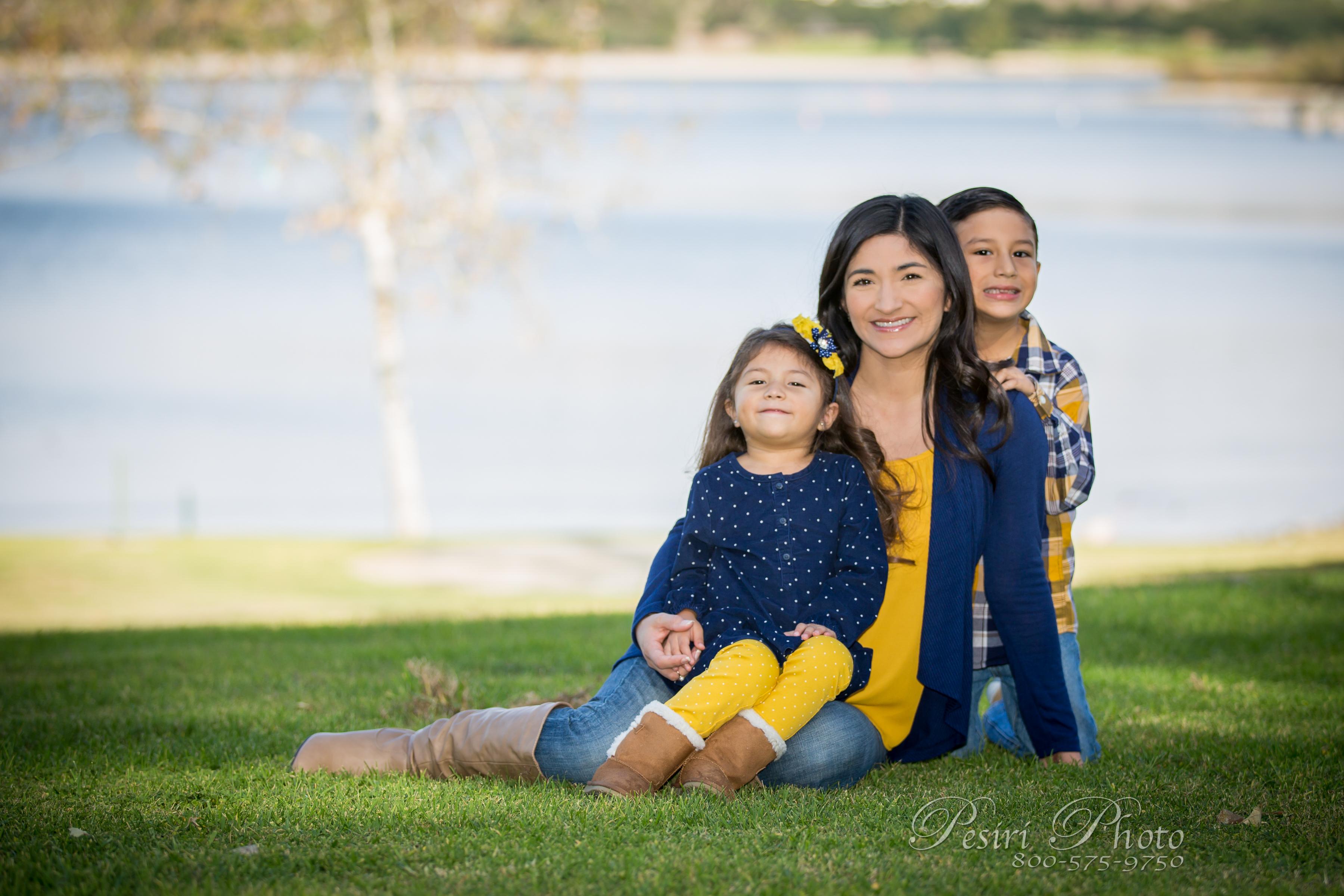 Family Photos By Pesiri Photo G-3