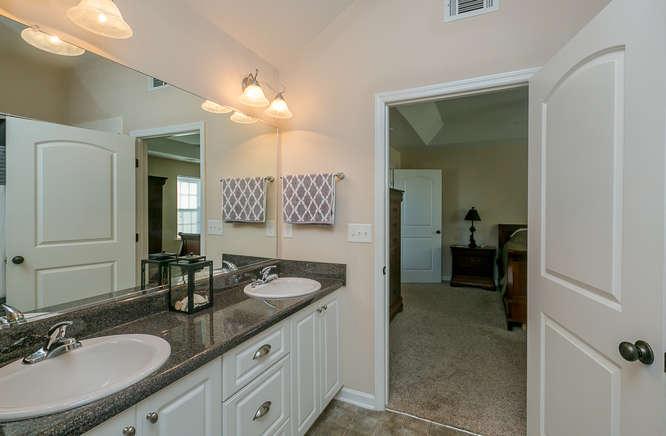 525 Sebastian Drive Grovetown-small-024-26-Owners Bathroom-666x437-72dpi.jpg