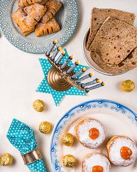 jewish-holiday-hanukkah-traditional-feas