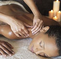 Massage mit Marula Öl