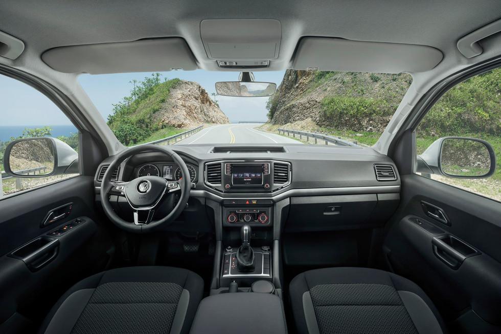 VW AMAROK8866_Interior final Editable.jp