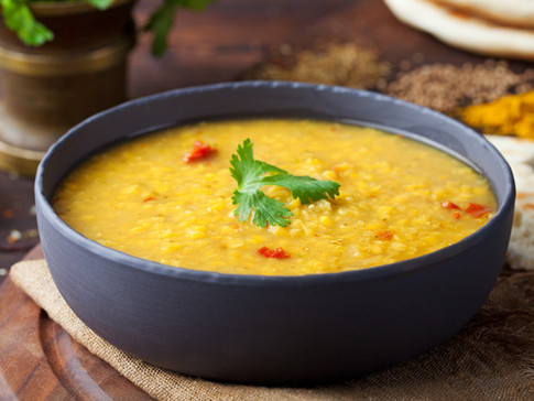 red-lentil-indian-soup-with-flat-bread-m