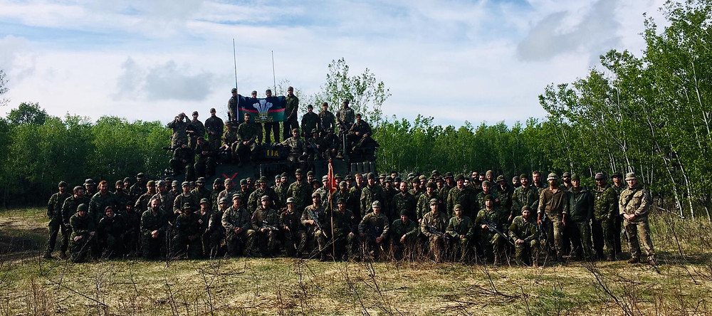 4 Platoon, B Rorke's Drift Company and 1st Battalion Princess Patricia's Canadian Light Infantry ( PPCLI) having a group photo at End Ex.