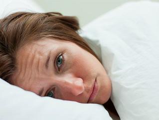 Dormir pouco pode levar ao envelhecimento precoce da pele