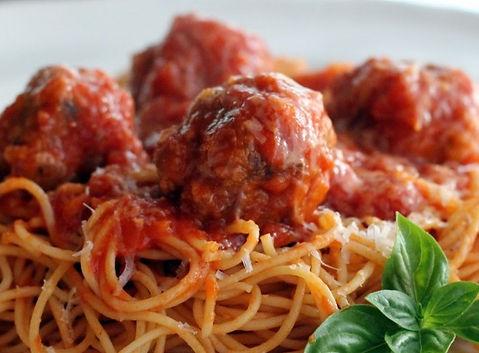 Spaghetti-and-Meatballs_16025-1050x700_e