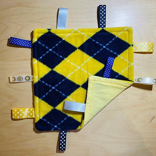 Yellow/NavyArgyle Fleece Taggie (Yellow Flannel Back)