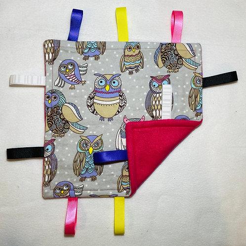 Owls Flannel Taggie (Pink Fleece)