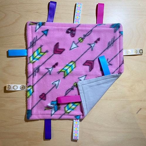 Pink Arrows Fleece Taggie (Lt. Grey Flannel Back)