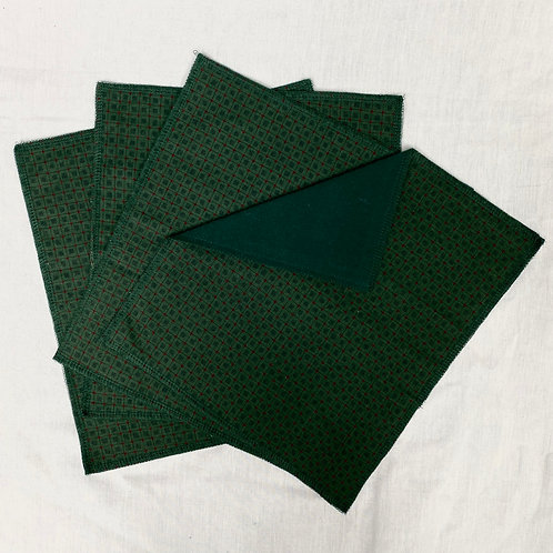 Green Squared (on Forest Green) Unpaper Towels (4)