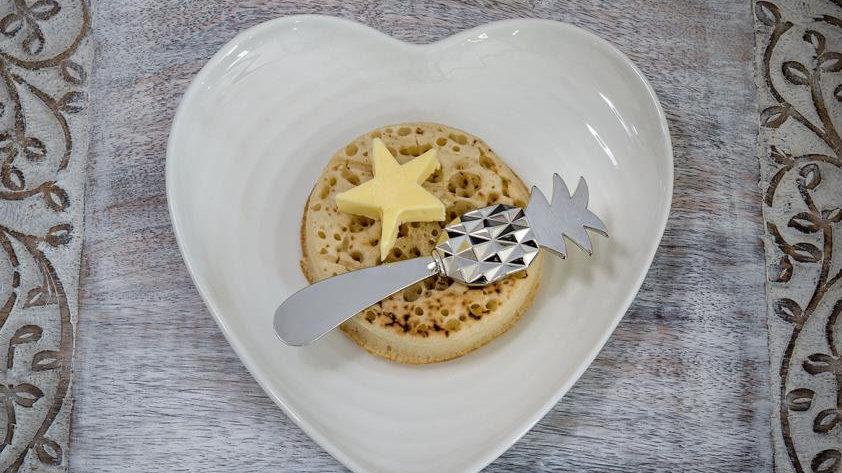 Pineapple butter knife