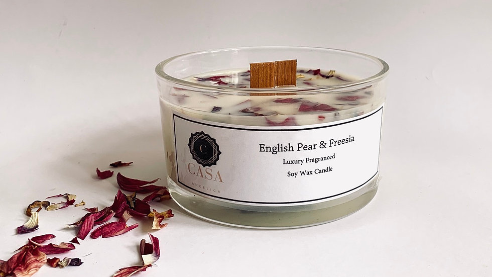 Luxury woodwick botanical candle - English Pear and Freesia