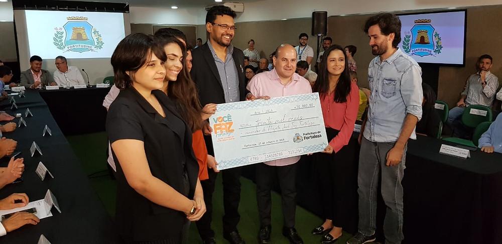 Premiação da equipe pelo prefeito de Fortaleza, Roberto Cláudio