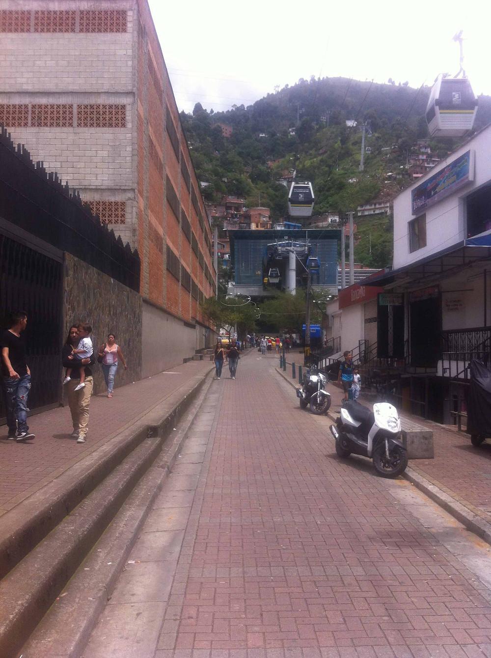 Rua de pedestres - Comunidade Santo Domingo