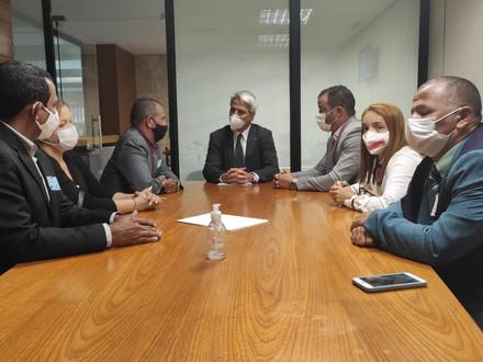 SINDACS-PE e FENASCE participam de reunião com  deputado Alessandro Molon
