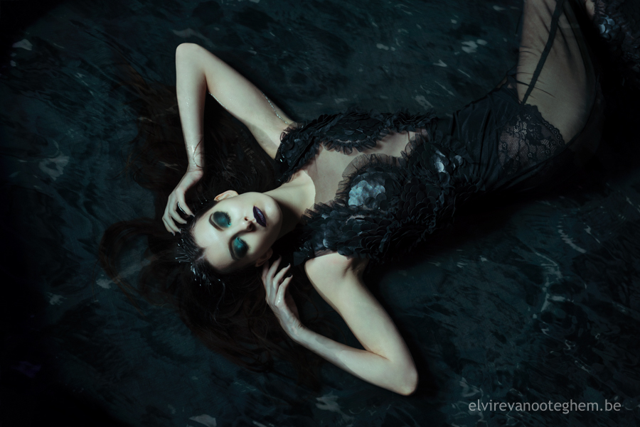dark-mermaid-sharon-elvire-tine-webversion-3