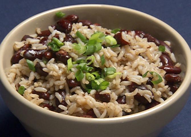 ¿Puedo comer arroz con frijoles y aún así perder peso?
