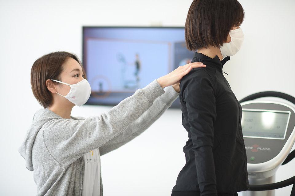 20分フィットネス スマートスタジオ_パワープレート(PowerPlate).j