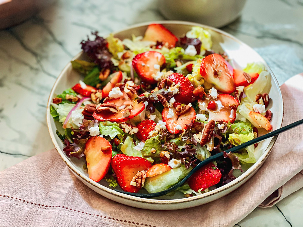 picture of Strawberry and lettuce salad