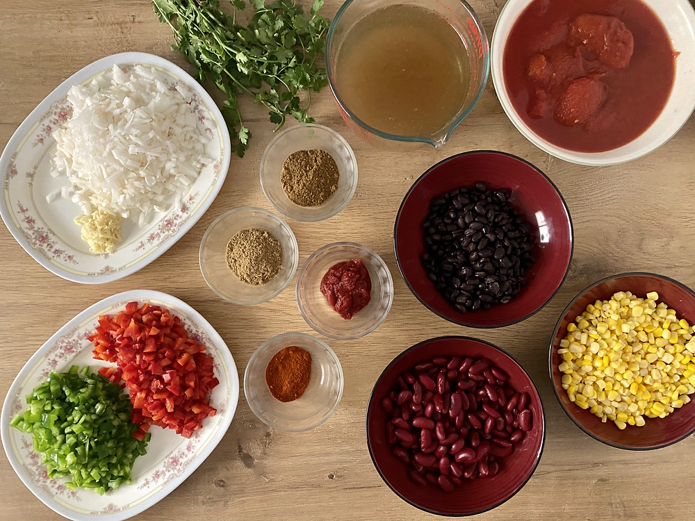 picture of ingredients for the bean chowder