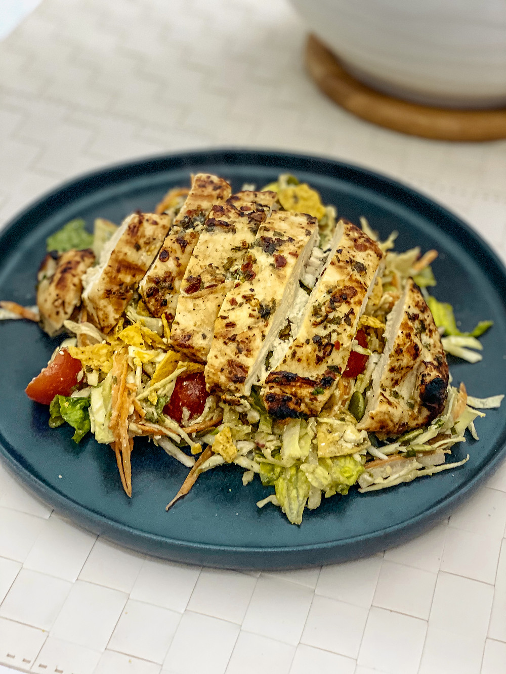 Picture of Baja salad with grilled breast of chicken