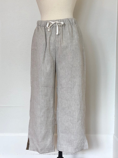 CROWN LINEN CAPRI PANT
