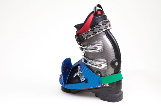 Pectoral fin (flap): provides easy access to un-buckle lower boot for better circulation going up the ski lift.  By Caitlin Reeves ©