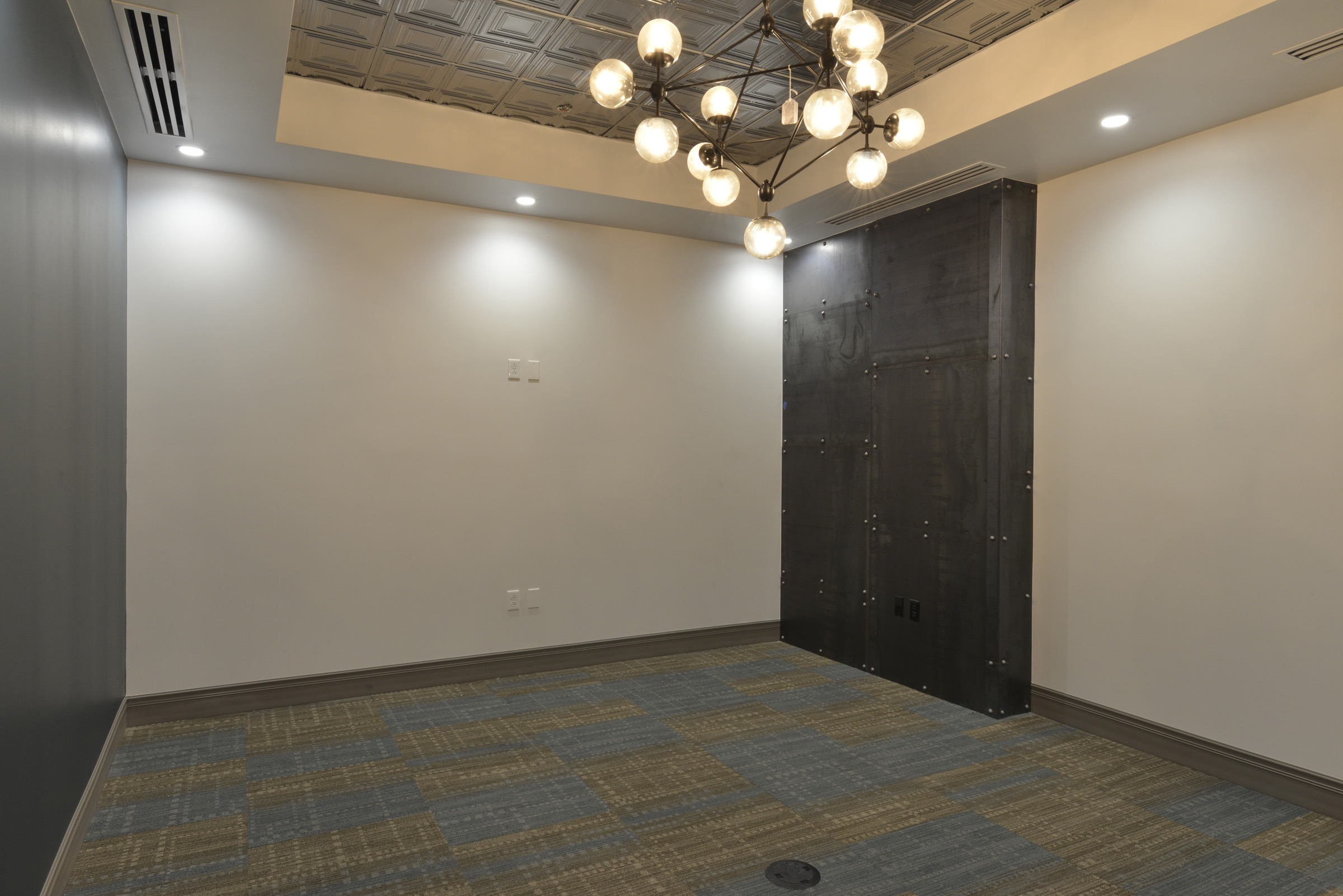 Heritage 2nd Floor Interiors 365.jpg
