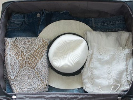 How to: Pack a hat in your Suitcase