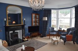 Blue Lounge - Sunny window seat